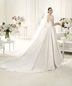 Pronovias presents the Monet wedding dress. Elie by Elie Saab 2013. | Pronovias
