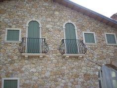 Private villa in Monteviale -VICENZA- - http://www.achillegrassi.com/en/project/villa-privata-monteviale-vicenza/ - Realizzazione villa privata con cornici finestra, poggioli, mensole, opere di arredo interno.