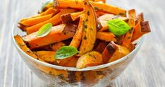 Sweet Potato Recipes For Kids Oven-Roasted Sweet-Potato Wedges Homemade Sweet Potato Fries, Making Sweet Potato Fries, Sweet Potato Wedges, Sweet Potato Recipes, Healthy Carbs, Healthy Snacks, Healthy Eating, Healthy Recipes, Healthy Fries