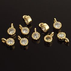 1037021 / Tiny Circle (Small) / 16k Gold Plated Brass Framed Glass with Cubic Zirconia Pendant 4mm x 7mm / 0.3g / 4pcs