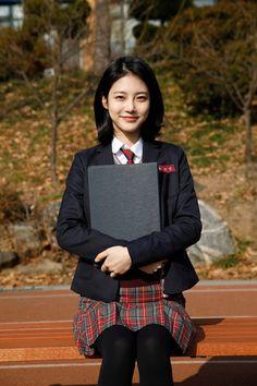 6 Breathtaking Skirt Pics Woman In Black Blazer Holding Gray Paper Prettiest Actresses, Beautiful Actresses, Korean Actresses, Korean Actors, Korean Beauty, Asian Beauty, Ulzzang Girl, Sweet Girls, Korean Girl