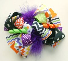 My girl loves her bows! Kids Hair Clips, Bow Hair Clips, Bow Clip, Boutique Hair Bows, Baby Boutique, Baby Bows, Baby Headbands, First Birthday Outfit Girl, Halloween Headband