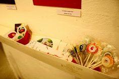 Lollipops at a collective exhibition at APIV, Valencia, by Sandra Ortuño.