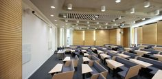 burwell deakins : projects : loughborough design school - lecture theatre for collaborative lectures: