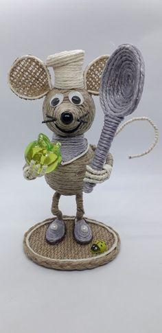 поделки из джута или джутовая филигрань — Фото | OK.RU Cd Crafts, Jute Crafts, Crafts To Make, Arts And Crafts, Crochet Toys Patterns, Stuffed Toys Patterns, Sisal, Crochet Monsters, Bobbin Lacemaking