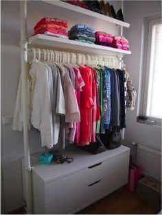 DIY kids rolling rack for garage.use expedit storage and rustic plumbing pipes Basement Closet, Kid Closet, Master Closet, Closet Space, Wardrobe Organisation, Wardrobe Storage, Kids Wardrobe, Open Clothes Storage, Stolmen Ikea