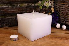 Κεριά μασίφ τετράγωνα σε χρώμα λευκό ΤΧ1310ΧΛΕ. Πλευρά: 13εκ. Ύψος: 10εκ. Pillar Candles, Taper Candles