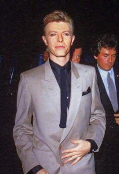 Billedresultat for david bowie 1987 Lady Grinning Soul, Mayor Tom, David Bowie Fashion, New York City, Mick Ronson, Bowie Starman, The Thin White Duke, Pretty Star, Ziggy Stardust