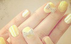 Unha de famosa: as nail arts mais incríveis de Zooey Deschanel! - Clube do Esmalte - CAPRICHO