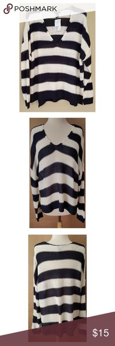"H & M Blue & White Nautical Sweater Pullover H&M V Neck Pullover Sweater Oversize 3/4 Sleeves Comfy Cozy 100% Acrylic Fabric Bust: 27"" flat across Waist: 27"" flat across Length: Front:24"" Back:28"" Hi Low Design...New with tags! 💖🌺⚓️⛵️ H&M Sweaters Crew & Scoop Necks"