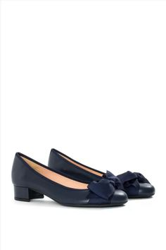 Γυναικείες Δερμάτινες Μπαλαρίνες MOURTZI 3/30150 BLUE Salvatore Ferragamo, Loafers, Flats, Blue, Shoes, Fashion, Travel Shoes, Loafers & Slip Ons, Moda