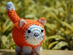 Amigurumi Cat , orange tabby cat, crochet kitty plush in bright orange and white, customizable