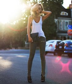 Simple chic fashion