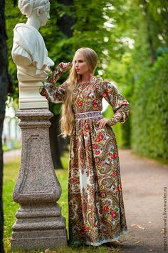 Women's dress in Russian style. Dresses in the Russian style. Folk Fashion, Ethnic Fashion, Modern Fashion, Hijab Fashion, Fashion Dresses, Fashion Design, Modest Dresses, Modest Outfits, Pretty Dresses