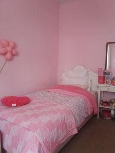 Το κρεβάτι της Βαλεντίνας Bed, Furniture, Home Decor, Decoration Home, Stream Bed, Room Decor, Home Furnishings, Beds, Home Interior Design