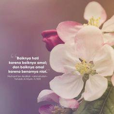 Short Quotes, Cute Quotes, Best Quotes, Islamic Inspirational Quotes, Islamic Quotes, Islamic World, Self Reminder, Quotes Indonesia, Flower Quotes