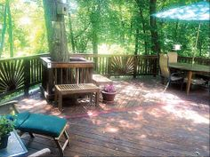 Tree Incorporated Into Deck Deck Amp Backyard Ideas