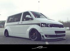 Vw Caravelle, Volkswagen Bus, Vw Transporter Van, Caddy Maxi, T5 Camper, Van Car, Chevy Van, Busse, Custom Vans