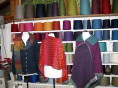 Im Atelier von Lydia Feucht. #Impression #wool #knitting #Impression #wool #knitting #stricken #Wolle #Farben #Inspiration #Impressionen #Garn #Handarbeit #Atelier #Einrichtung #Landhausstil #Pullover #Schal #Wintergarten Inspiration, Atelier, Sweater Scarf, Winter Garden, Cottage Chic, Wool, Threading, Handarbeit, Breien