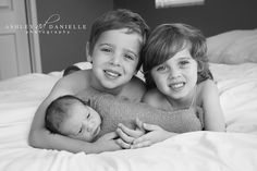 Newborn with siblings, newborn with brothers