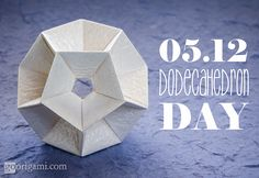 Origami Dodecahedron (Tomoko Fuse) rectangles 1:2, 30 units, no glue Unit Polyhedron Origami by Tomoko Fuse, p71
