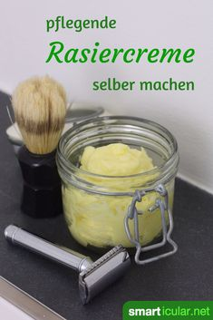 Pflegende Rasiercreme selbst herstellen - biologisch mit Sheabutter This homemade shaving cream recipe is very easy to make. 100 percent organic products make the skin incredibly soft and soft. Organic Skin Care, Natural Skin Care, The Body Shop, Homemade Shaving Cream, Rides Front, Facial Cleansers, Shampoo Bar, Facial Care, Natural Cosmetics