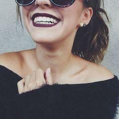 8 Badass Ways To Peel Off Dark Lipstick This Winter - # Peel Off . - 8 badass ways to pull off dark lipstick this winter – # deduct - Hipster Vintage, Style Hipster, Foto Portrait, Dark Lipstick, Makeup Lipstick, Instagram Photo Video, Selfie Poses, Selfie Ideas, Tumblr Girls