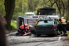 Počet mrtvých jde do tisíců Vehicles, Car, Automobile, Autos, Cars, Vehicle, Tools