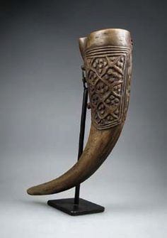 Africa | Prestige drinking horn from the Cameroon Grassfields | Buffalo horn | In all Grassfield kingdoms, drinking horns presented one of man's most important personal belongings