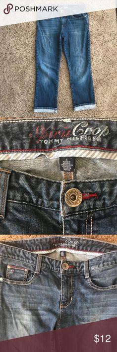 "EUC TOMMY HILFIGER SPIRIT CROP JEANS Sz. 6 EUC women's Tommy Hilfiger Spirit Crop Jeans SZ. 6  Approx. measurements.: Waist 15""/ inseam: 26.5"". Tommy Hilfiger Jeans Ankle & Cropped"