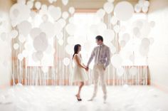 An Engagement Session with Lots + Lots of Balloons photographed by Brittany Esther. I'm always a fan of balloons, but these photos are super dreamy + whimsical. Such an ultra romantic engagement session! Engagement Couple, Engagement Pictures, Engagement Shoots, Engagement Photography, Wedding Engagement, Wedding Photography, Couple Photography, Wedding Trends, Wedding Blog