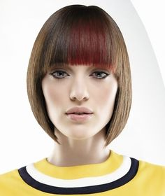 For fuller, shinier hair, look no further! The straight form blunt haircut offers a sleek, easy style that helps to create volume and sheen. Short Brown Hair, Medium Short Hair, Short Hair With Layers, Medium Hair Styles, Short Hair Styles, Blunt Haircut, Bob Haircut With Bangs, Haircuts For Fine Hair, Bob Hairstyles