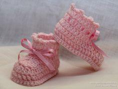 Patucos de ganchillo - Lucía   #patucos, #ganchillo, #crochet, #escarpines, #botitas, #bebes, #baby