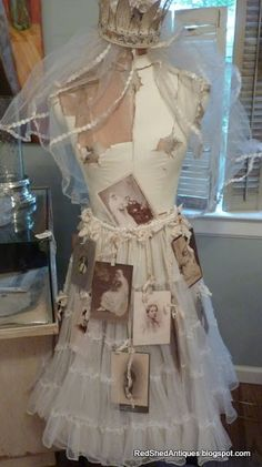 """What an awesome way to display vintage items! Prior pin states: """"Dress Form Display ~ Red Shed Antiques, Grapevine Texas: The Cottage at The French Market"""" Mannequin Art, Dress Form Mannequin, Vintage Mannequin, Vintage Dresses, Vintage Outfits, Vintage Fashion, Corsets, Antique Booth Ideas, Vintage Display"""