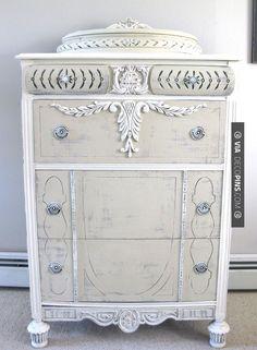 Neato! - Annie Sloan Chalk Paint™ tall dresser | CHECK OUT MORE DRESSER IDEAS AT DECOPINS.COM | #dressers #dresser #dressers #diydresser #hutch #storage #homedecor #homedecoration #decor #livingroom