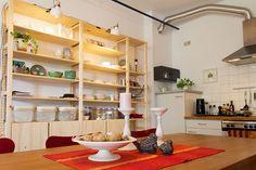 IKEA Ivar Regal und Kommode. Open shelves and cabints in the kitchen: IKEA Ivar