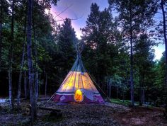 Love this pretty photo of this teepee.