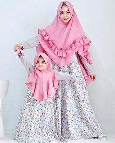 Abaya Fashion, Muslim Fashion, Fashion Dresses, Baby Girl Dresses, Baby Dress, Baby Hijab, Dress Anak, Kids Gown, Muslim Dress