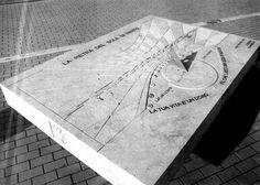"""Scultura """"Meridiana di Nanto"""" in pietra  - http://achillegrassi.dev.telemar.net/project/scultura-meridiana-di-nanto-in-pietra/ - Splendido esempio di scultura,in Pietra giallo dorato di Vicenza, realizzata in occasione del simposio Nantopietra tenutosi a Nanto (Vi) nel 1993. Autore:  Dante Tognin e Romeo Marinello(Italia)"""