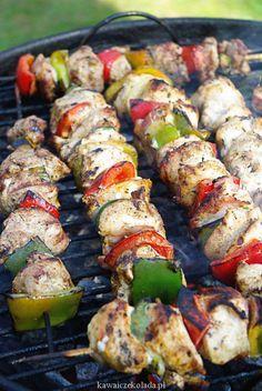 Szaszłyki z kurczaka | Kawa i Czekolada Barbecue Chicken, Barbecue Grill, Kabobs, Asparagus, Catering, Sushi, Food And Drink, Menu, Vegetables