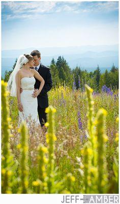 So in love with this picture! #wedding #weddingpictures #weddingphotography #greenweddings #beauty  #jeffplusamber