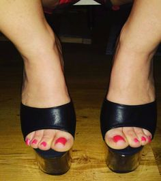 10k Followers, 499 Following, 1,074 Posts - See Instagram photos and videos from high heels (@ilona_feet)