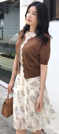StyleOnme_Metallic Floral Print Ribbon Belt Set Skirt #elegant #floral #skirt #feminine #koreanfashion #kstyle #kfashion #summertrend #dailylook