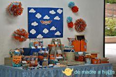 De madre a hija: Mesa de dulces azul y naranja:  cumpleaños aviones...