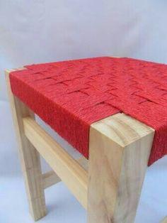 Silla baja, tejido artesanal en fibra vegetal. artesaniadardo@gmail.com