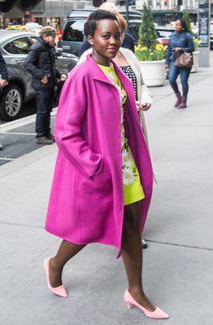 Lupita Nyong'o indossa il cappotto Lilia della collezione Max Mara al Variety's Power of Women a New York l'8 Aprile 2016.