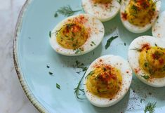Classic Deviled Eggs - Once Upon a Chef Chef Recipes, Egg Recipes, Brunch Recipes, Brunch Ideas, Breakfast Ideas, Bacon Deviled Eggs, Deviled Eggs Recipe, Quiches, Zucchini