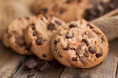 Extraordinary times, call for extraordinary measures, it seems. DoubleTree by Hilton has revealed the secret recipe for its signature chocolate chip cookies that greet guests upon arrival. Best Cookie Recipe Ever, Best Chocolate Chip Cookies Recipe, Best Cookie Recipes, Yummy Cookies, Chocolate Cookies, Melted Chocolate, Chocolate Chips, Biscuits Fondants, Cookies Et Biscuits