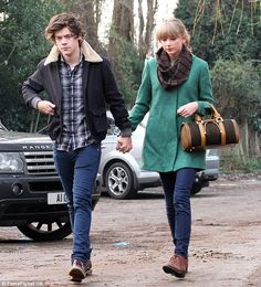 Taylor Swift buying a house near Harry Styles' family' | Daily ...