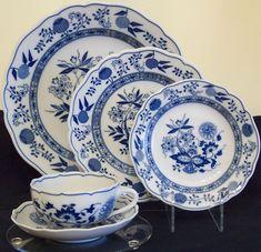 Hutschenreuther Blue Onion, Service for 6, 30 piece set, new fine china #Hutschenreuther